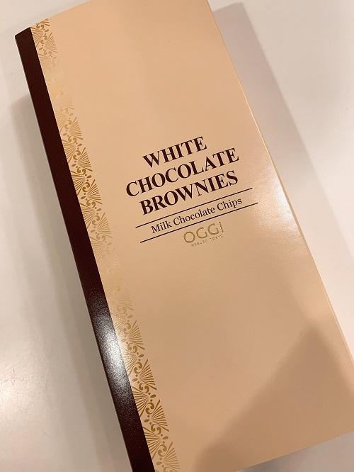 OGGIのホワイトチョコブラウニの外装
