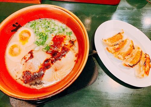 満州屋が一番の極み味玉と餃子