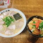 ほどよい脂身の豚肉が麺を覆いつくす!中華そば岡本さんの「中華そば肉入」と「豚どん」