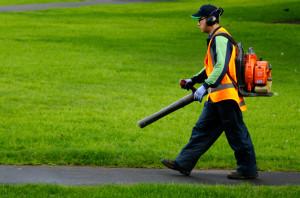 landscapers benefit wearing