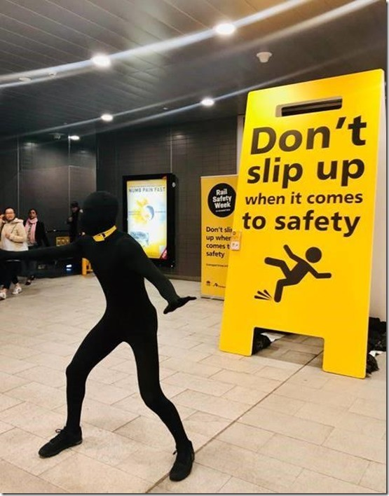 rail safety gimp