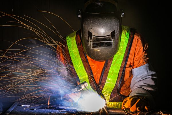 Welding Safety  Safety Toolbox Talks Meeting Topics