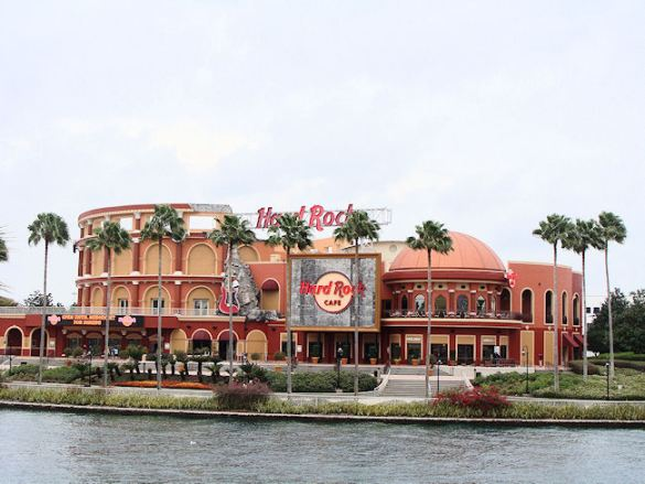 largest hard rock cafe