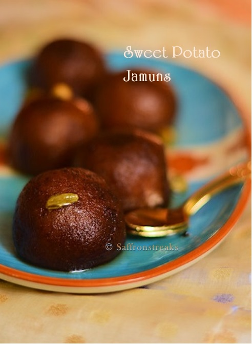 Mishti aloo'r pantua / sweet potato gulab jamun - Sankranti recipes