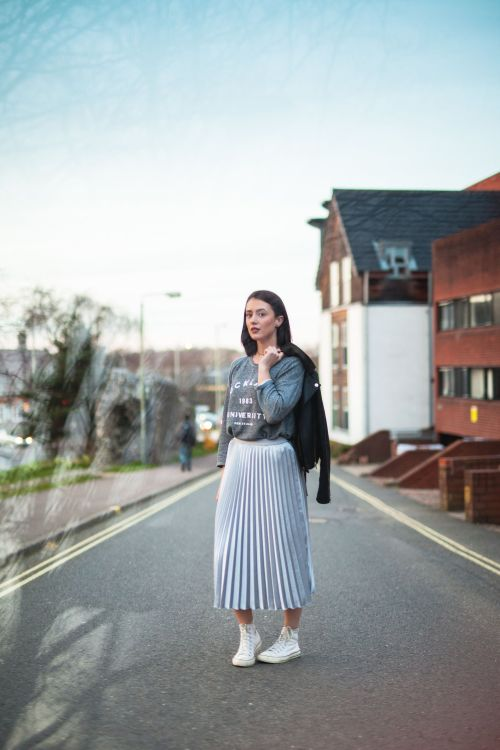 One skirt worn three ways - The pleated skirt
