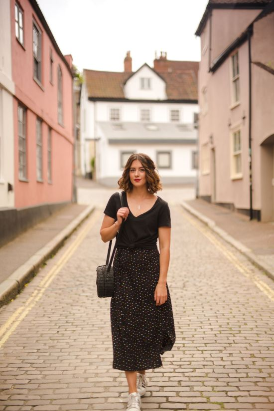 How to take the midi skirt from day to night - A polka dot obsession