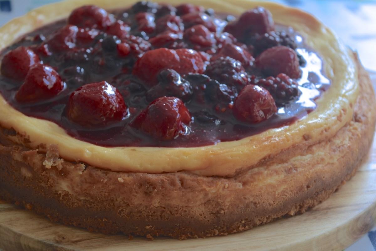 Mijn basic cheesecake (met bosvruchtensaus)