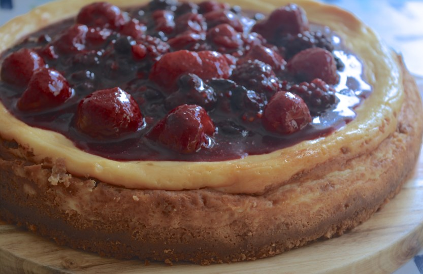 Cheesecake with mixed berries safranaargana