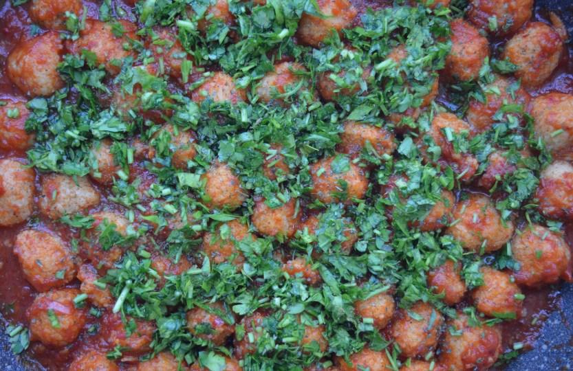 fellah koftesi turkisch vegetarian bulgur balls tomatosauce safranaargana