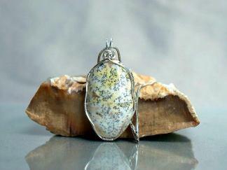 Beige color mineral, Lizard skin stone pendant