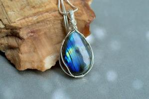 Labtadorite necklace, teardrop shape pendant