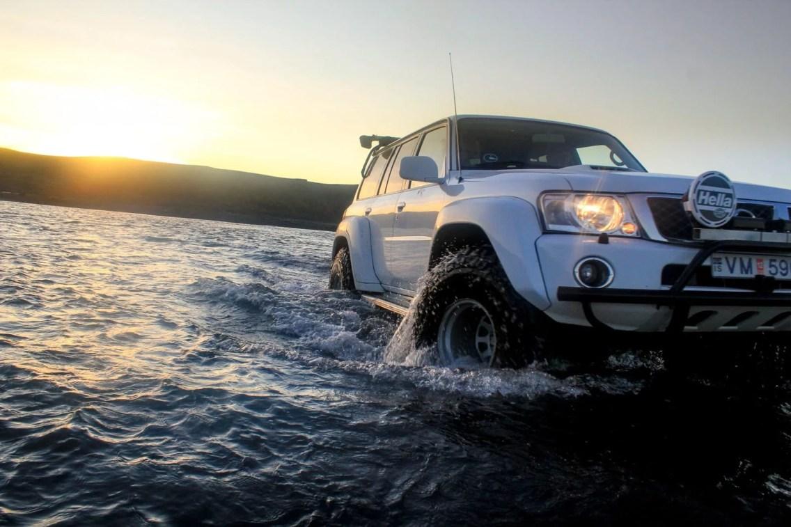 Private Lake Mývatn Super Jeep