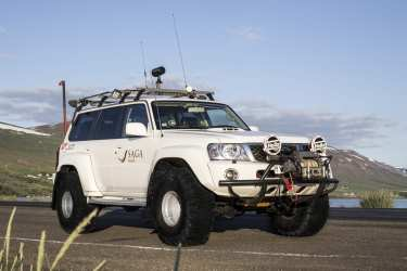 Tobbi is a 7 passenger Nissan Patrol Super Jeep
