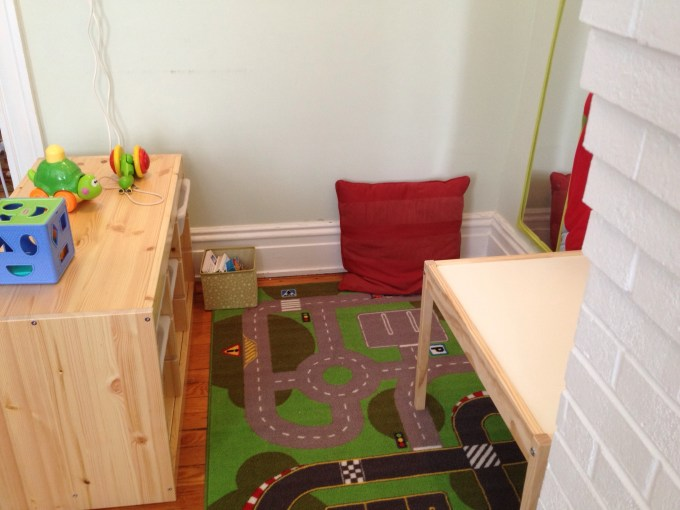 play and reading nook 2