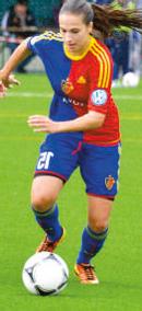 Fabienne Bangerter, Fussballerin, Matura 2013 ist Nationalspielerin, spielte in der Deutschen Bundesliga und ist derzeit beim FC Basel unter Vertrag