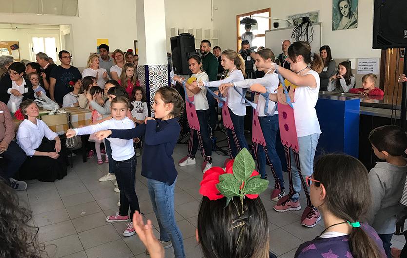 XIII-Encuentro-de-Familias-con-el-obispo-Colegio-Sagrada-Familia-de-Elda