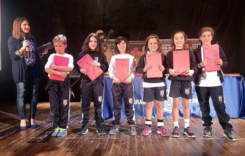 Entrega-premios-Concurso-Dibujo-y-Cuentos de-Navidad-Colegio-Sagrada-Familia-de-Elda
