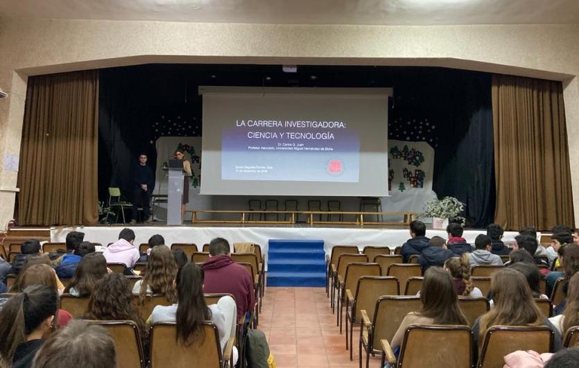 Charla-exalumno-Colegio-Sagrada-Familia-de-Elda