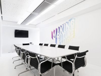 ofd_pall_meeting_table_oval_sqaure_legs_office_furniture_dubai_uae2