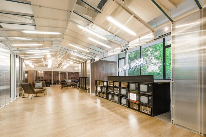 WeWork Yanping Lu Coworking Offices – Shanghai