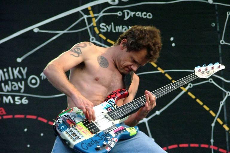 Siapakah Bassist Terbaik Didunia  tattabass
