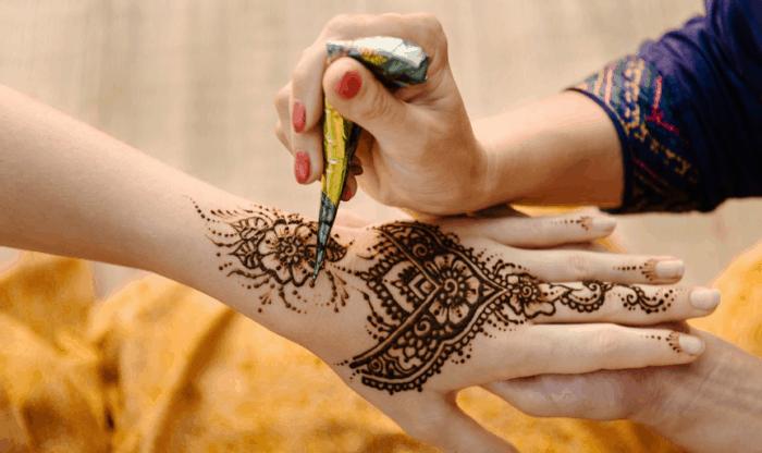 Motif Henna Tangan Sederhana