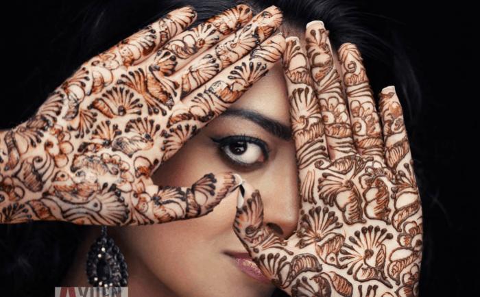 Corak Henna Tangan