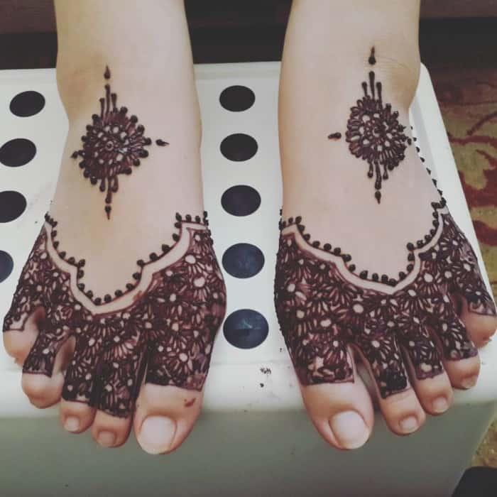 Gambar Henna Kaki Simple