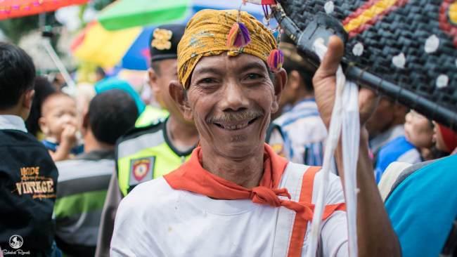 Para Penonton Siraman Gong Kyai Pradah