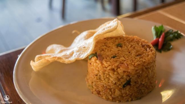 Sarapan Nasi Goreng di Hotel Yoschi