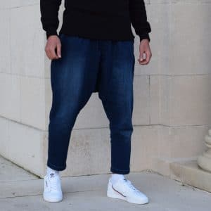 sarouel jeans bleu indigo sahabi baskets blanche