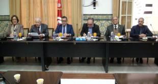 تونس :توزيع حواسيب ولوحات رقمية على عدد من المراكز النموذجية لتعليم الكبار