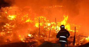 خطير: حريق مهول يضرب مصنع الصبغة في بوضروة +صور