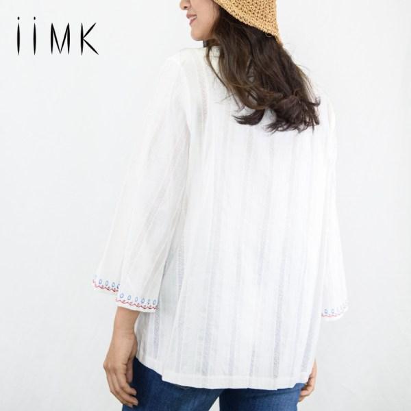 iiMK iiMK เสื้อ Blouse ผู้หญิง 100% Cotton ลายมีลายปัก สีออฟไวท์ (WKB094)