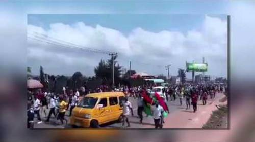 Pro-Biafran 'Million Man March' Shut Down Niger Bridge And Disrupt Bayelsa, Delta States