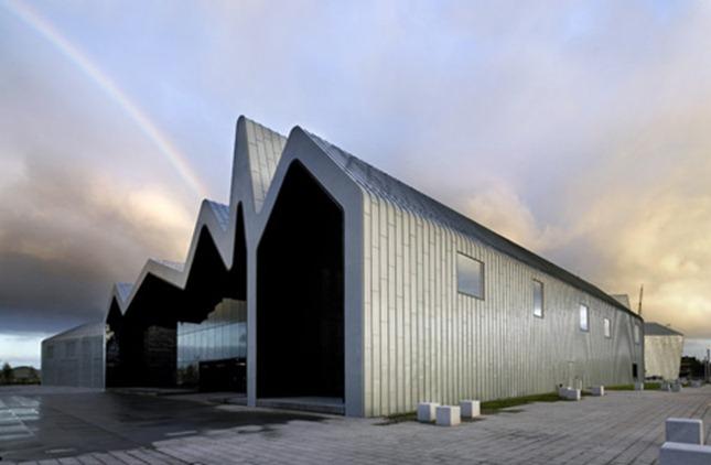 dezeen_Riverside-Museum-by-Zaha-Hadid-3