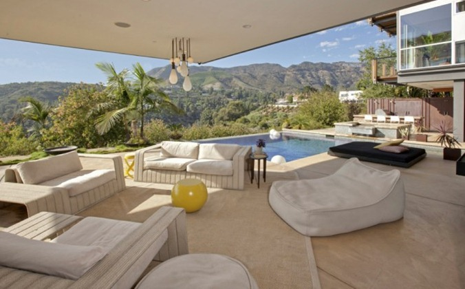 Hollywood-hills-patio-665x414