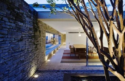 Mirindaba-House-in-Brazil-by-Marcio-Kogan-9