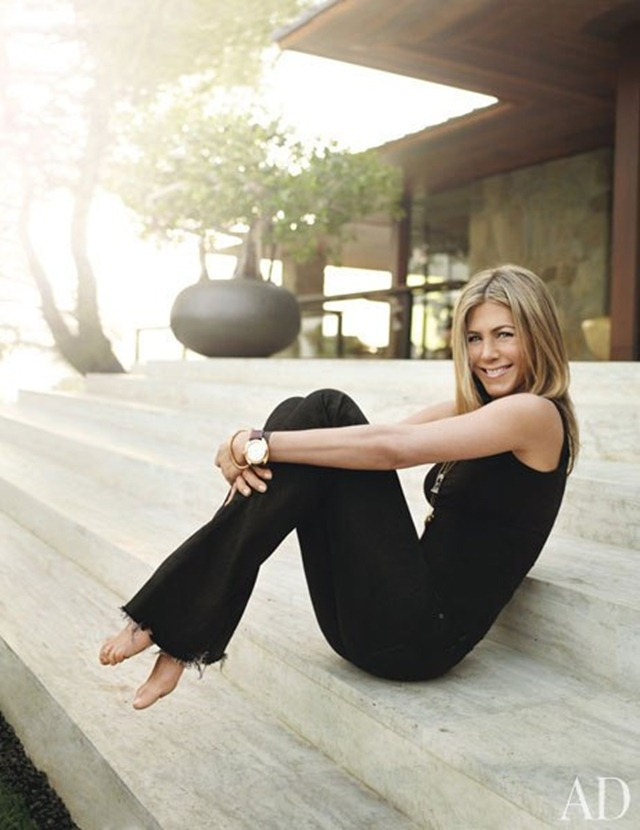 item0.rendition.slideshowWideVertical.jennifer-aniston-01-portrait