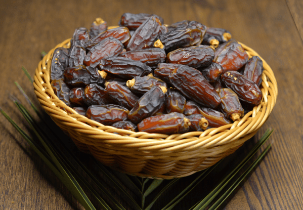 Mabroom Dates in 1 KG Premium Pack