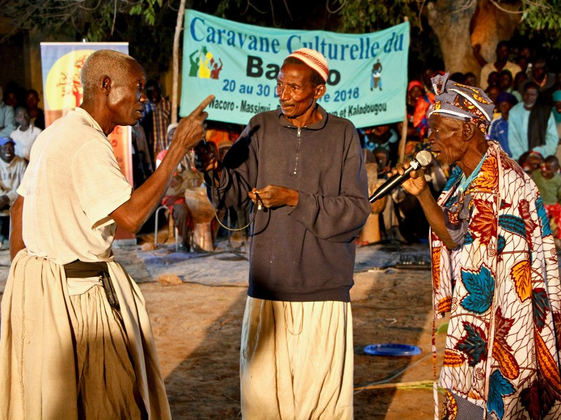 Wacoro renoue avec ses traditions grace a Instruments 4 Africa