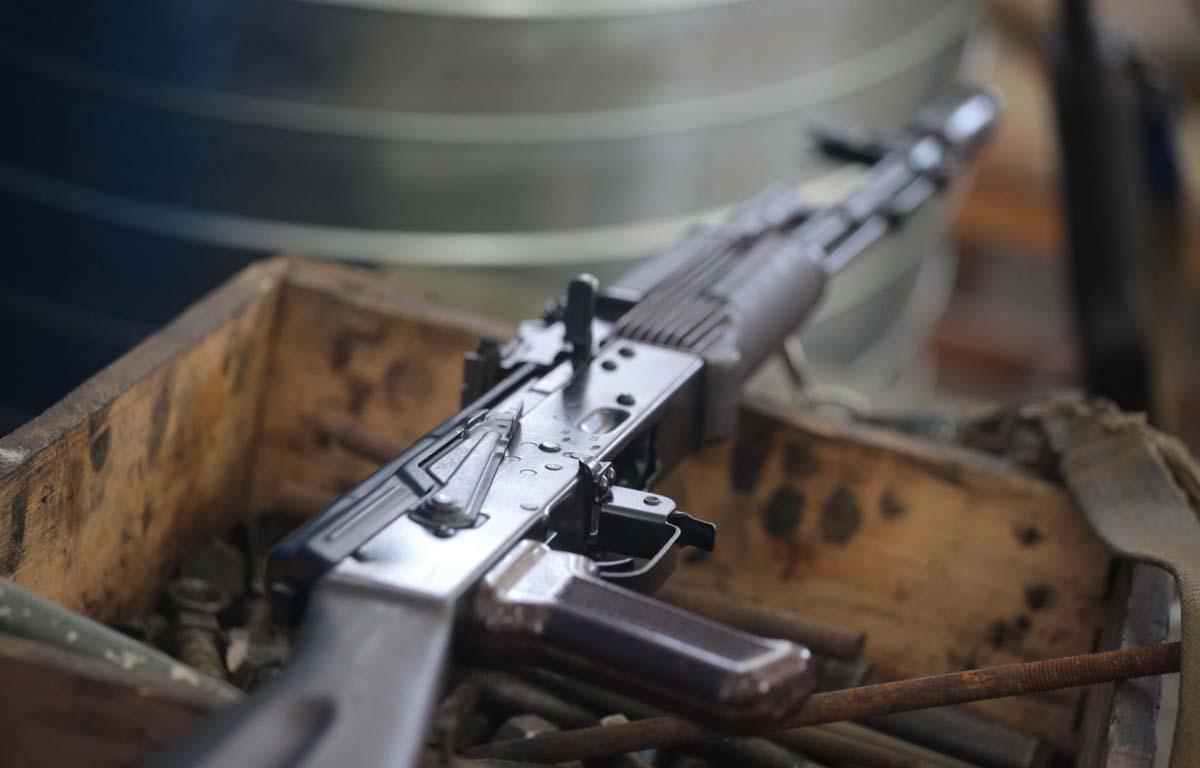 Au Sahel, armes utilisées par terroristes et milices, provenance et hypothèses explicatives (Amnesty)
