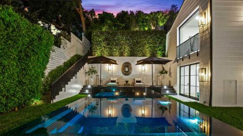 PHOTO: Rihanna Buys New Beverly Hills Mansion for .8 Million