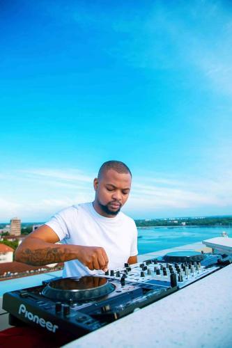 Josiah De Disciple - Groove Cartel Mix