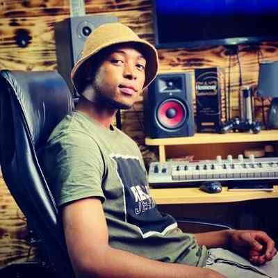 Lolo Em ft Umfana - Ng'ekeleni