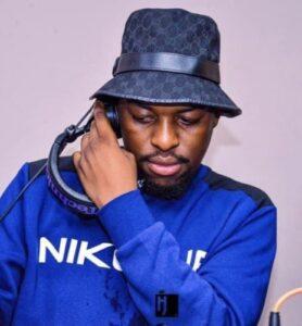 DJ Maphorisa & Kabza De Small – Uzoz' Azo Ngibona Ft. Boohle