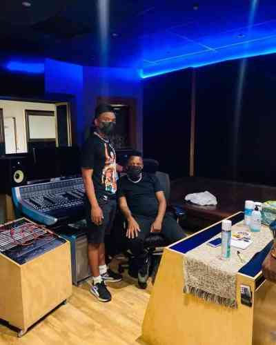 Tee Jay, ThackzinDj & Azana ft Le Sax - Abaloi