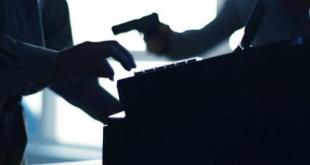 Armed robbers raid African diamond shop in Somerset West
