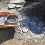 肥料づくり:草木灰づくり(2)-灰の回収-