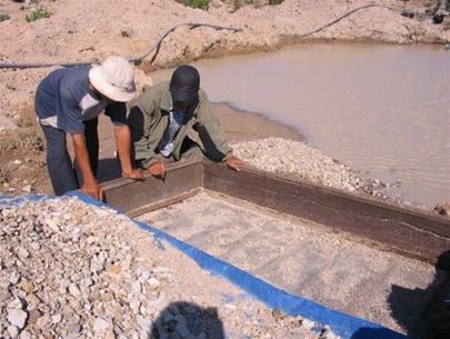 Tìm Sapphire tại mỏ Đá Bàn Bình Thuận